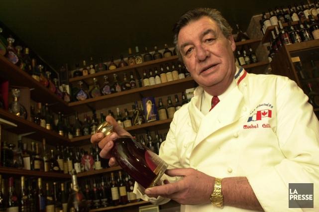 Il ristoratore canadese Michel Gillet mostra la sua collezione di cognac